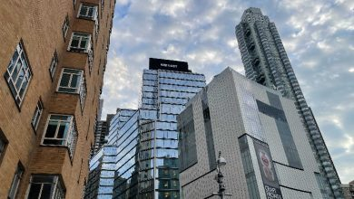 Photo of Winklevoss-Led Gemini Behind Bitcoin White Paper Excerpts on NYC Billboard